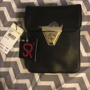 Black purse travel purse. Faux leather
